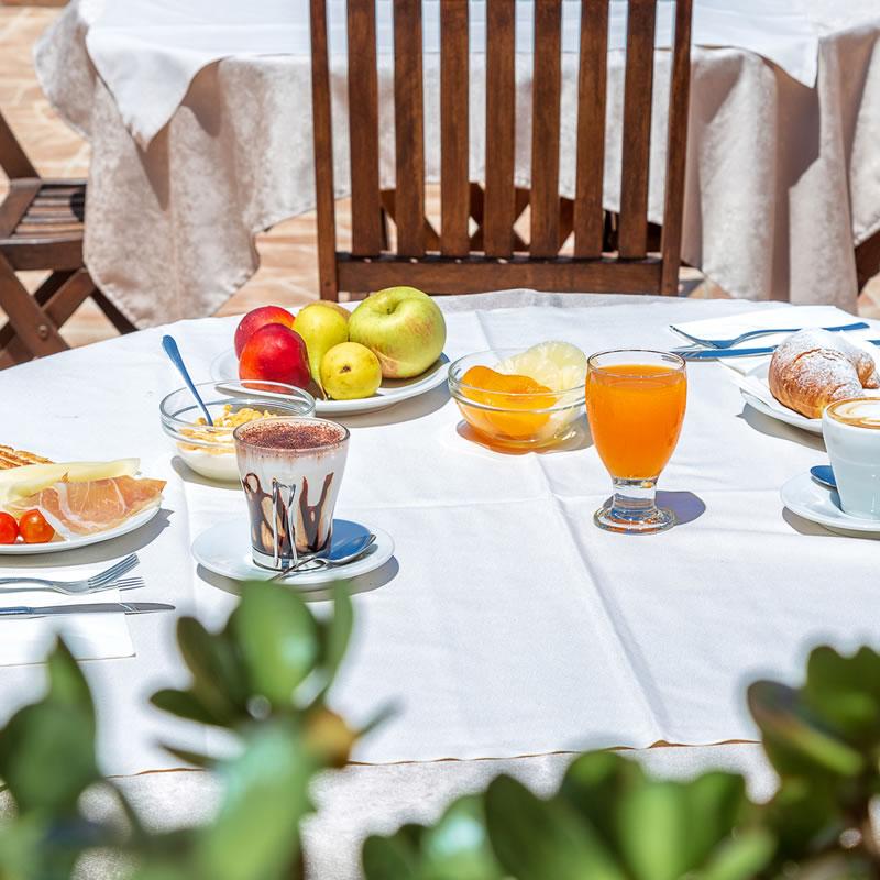 Breakfast Hotel Bonsai